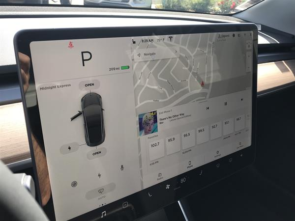 Tesla Model 3 Infotainment Display